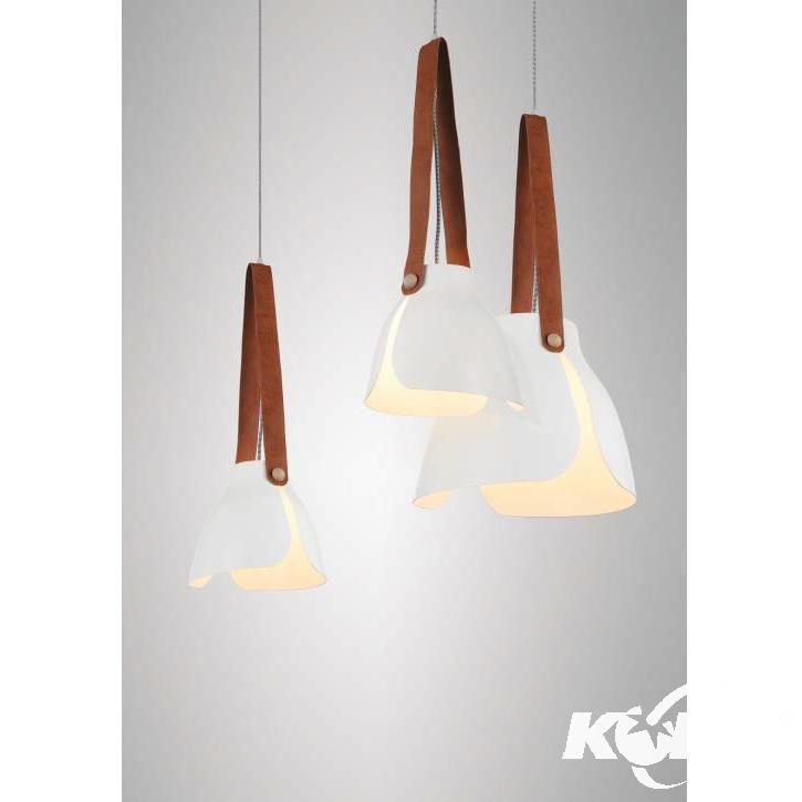 Swiss Medium lampa wisząca 1x40W E27 230V biała-elementy skóry